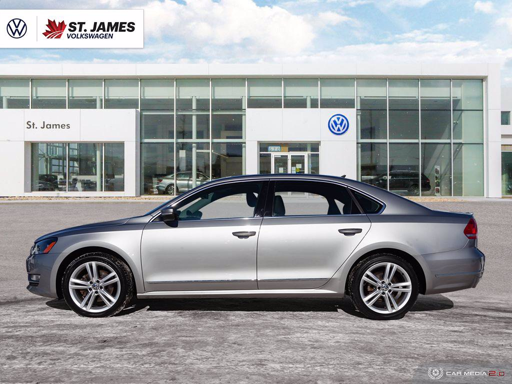 Pre-Owned 2013 Volkswagen Passat Highline 2.0TDI Automatic, Power Sunroof, Memory Seats, Heated Seats, Remote Start