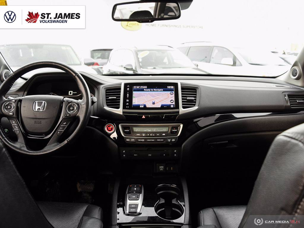 Pre-Owned 2017 Honda Pilot Touring, LEATHER, BLIND SPOT, BLUETOOTH, REAR VIEW CAMERA